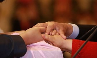 Преподобный Мун Хёнг Джин, международный президент Церкви Объединения, принимает Слово от Истинных Родителей, 18_апреля_2008_года